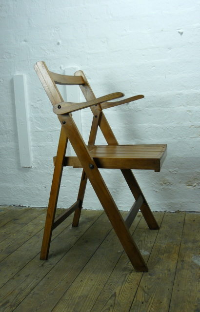 A Good Trio Of Vintage 1940s Wooden Slatted Folding Chairs