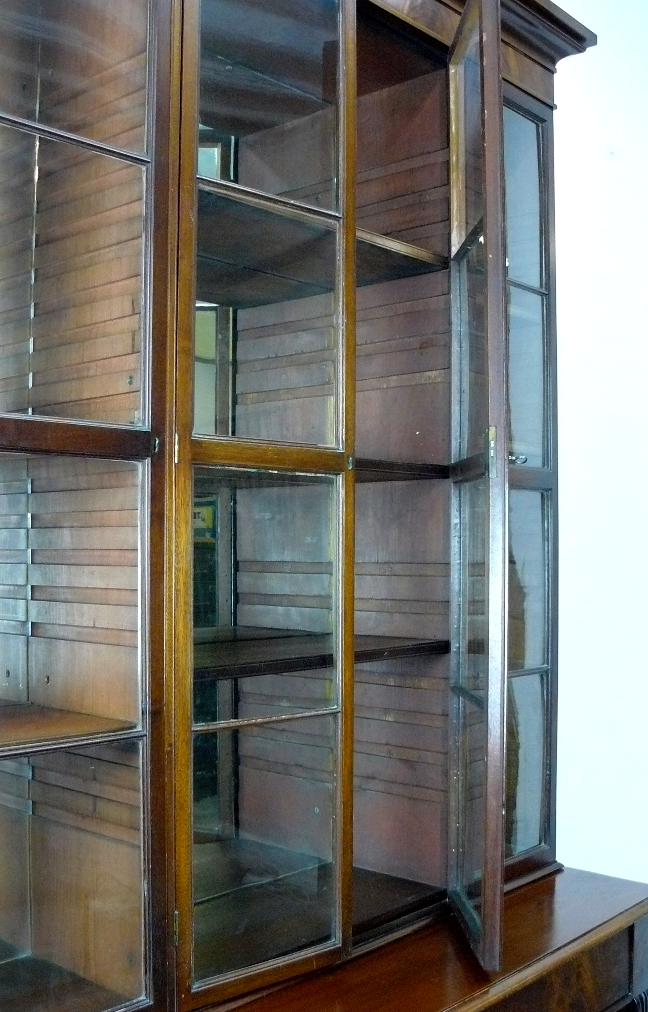 A Lovely Large Edwardian Mahogany Shop Home Display Cabinet Original Mirrors